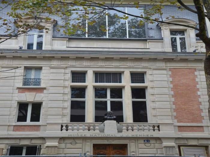 La façade du musée national Jean-Jacques Henner, Paris © Musée Henner